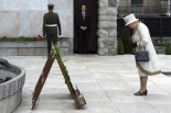 The British head of state honours Ireland's Fenian Dead at the Garden of Remembrance, Dublin, 2011