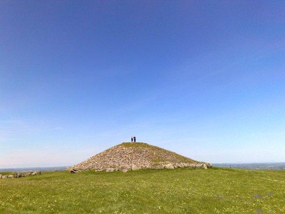 Tuatha Dé Danann - Cairn Loch Craobh, Sliabh na Caillí, Loch Craobh, An Mhí, Cúige Laighean, Éire (Íomhá: Séamas Ó Sionnaigh 2009)