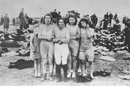 The Holocaust. Let us never forget those who died - or those who took their lives. (Íomhá: Liepaja, Latvia, December 1941)