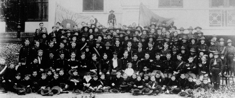 The 1912 Fianna Éireann Ard-Fheis with a large Gal Gréine banner in the background