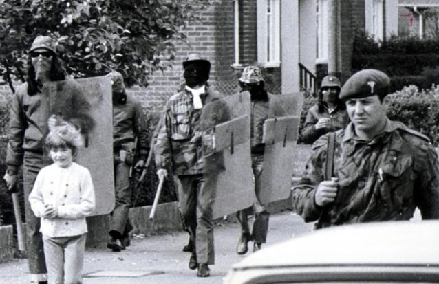 Joint footpatrol of British UDA terrorists and British Army soldiers, British Occupied North of Ireland, 1970s