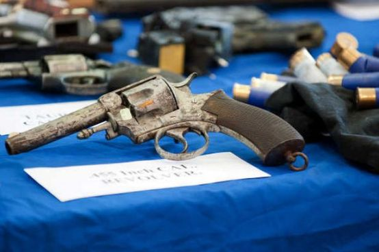 Captured revolver put on display by Gardaí, 2013