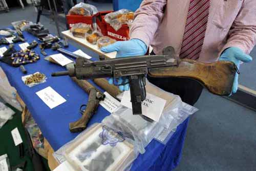 Uzi submachine gun seized by Gardaí, 2013