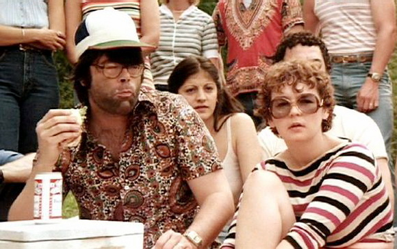 Stephen King and wife Tabitha make their cameo appearence in 1981's Knightriders
