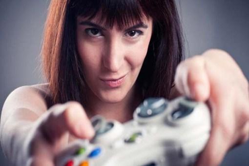 Geek or teicóg culture through video and computer games