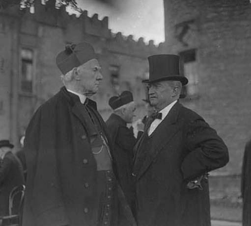 The Roman Catholic hierarchy with John Redmond MP, the leader of the Irish Nationalist establishment, 1912