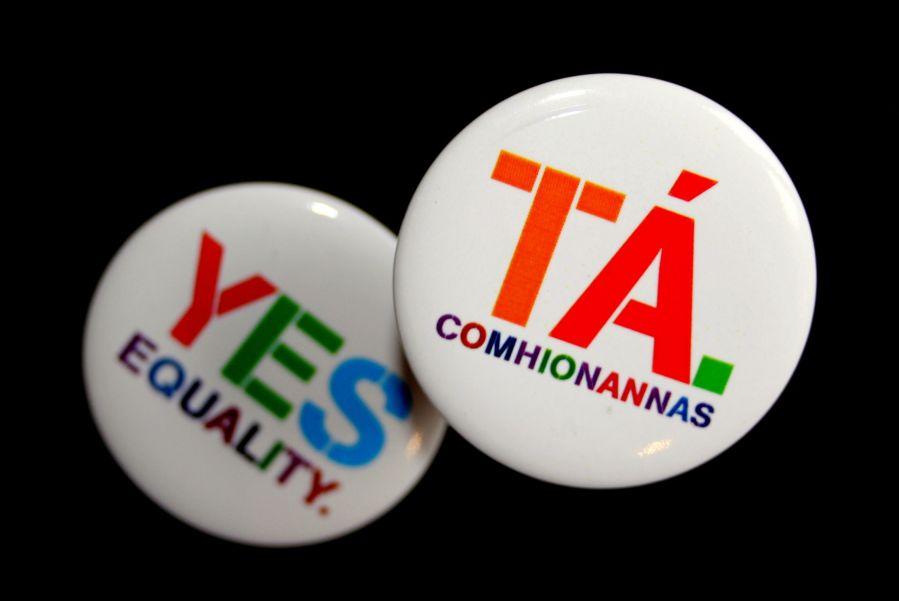 Tá. Comhionannas. LADT - Yes. Equality. LGBT