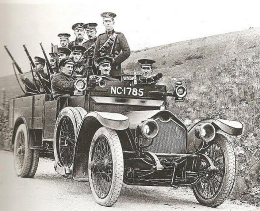 british-paramilitary-police-officers-of-the-ric-in-an-unarmoured-crossley-20-25-tender