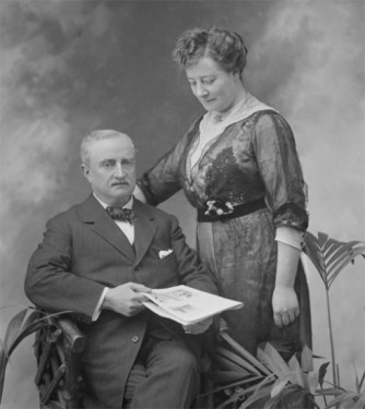 John Redmond MP, leader of the Irish Parliamentary Party, with his Protestant English wife Ada Beesley, 1914