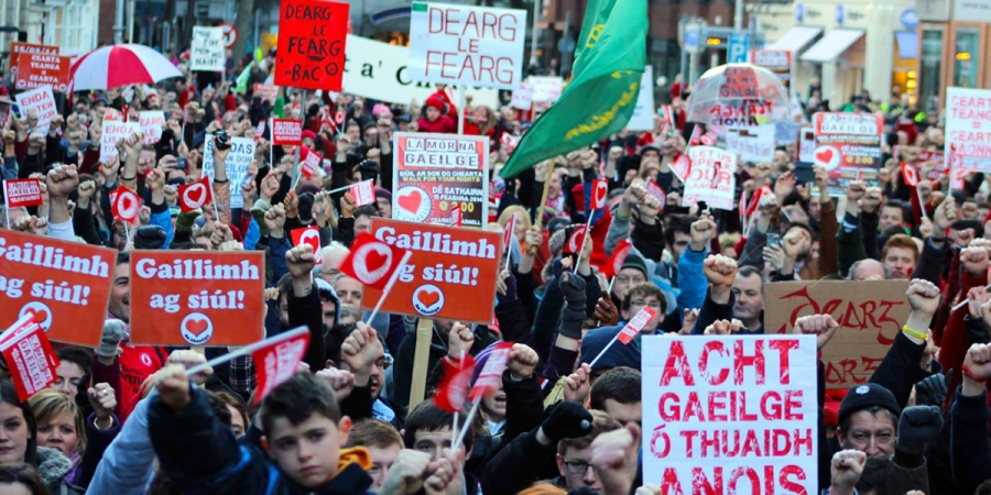 Dearg le Fearg, Lá Mór na Gaeilge, Irish rights protesters take to the streets of Dublin in their thousands