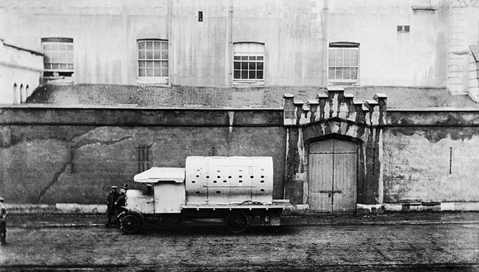 "An improvised armoured personnel carrier of the British Army during the Easter Rising of 1916, Dublin, informally known as a ""boiler"""