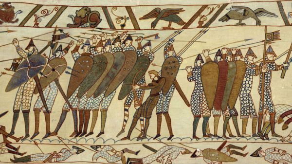 armour-swords-and-shields-in-medieval-warfare-between-the-english-and-norman-french-the-battle-of-hastings-england-1066